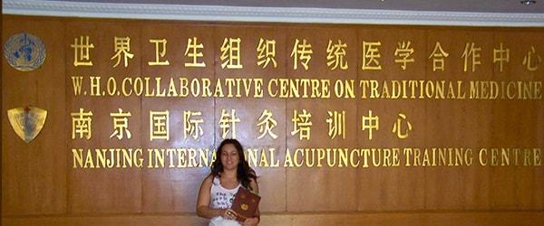 Lara Cavallero alla scuola internazionale di agopuntura in Cina